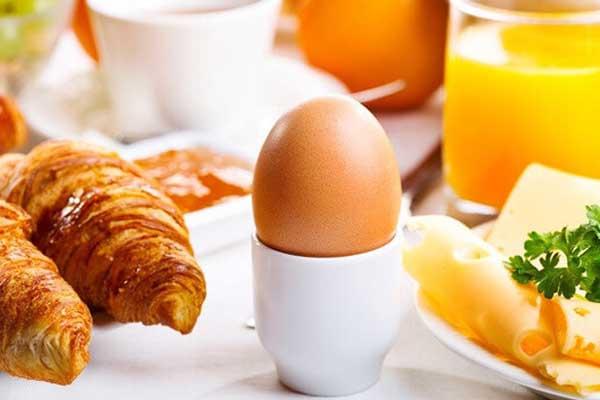 Ontbijt op zondag bij Evita Lokaal